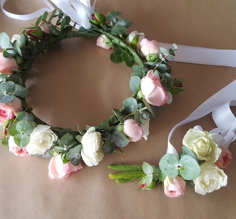 Flower Girl's Flower Crown and matching Mini Wrist Corsage in pretty little cluster roses and gum